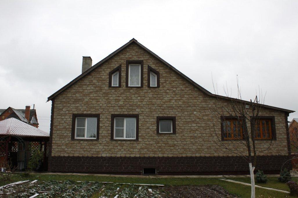 Фото домов отделанных сайдингом под камень